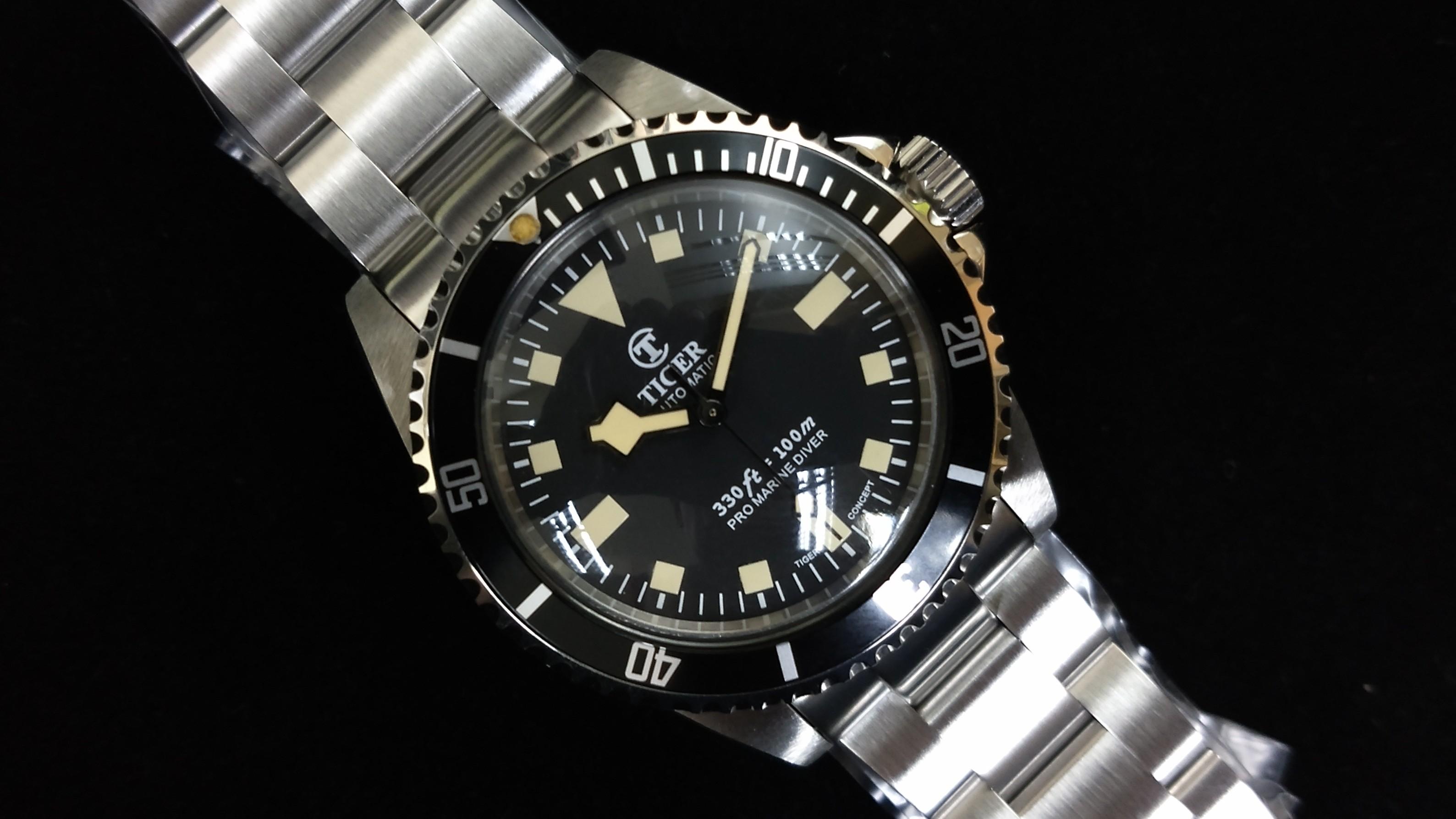 55130P vintage lume black snow flake Watch