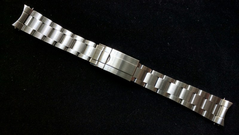 Modern Style Bracelet
