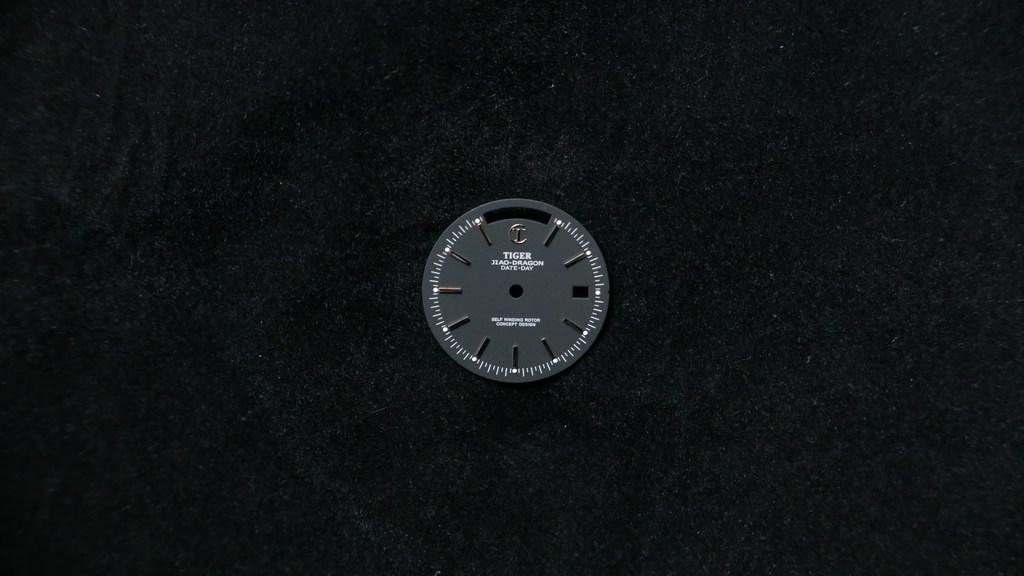 date-day-silver-matt-black