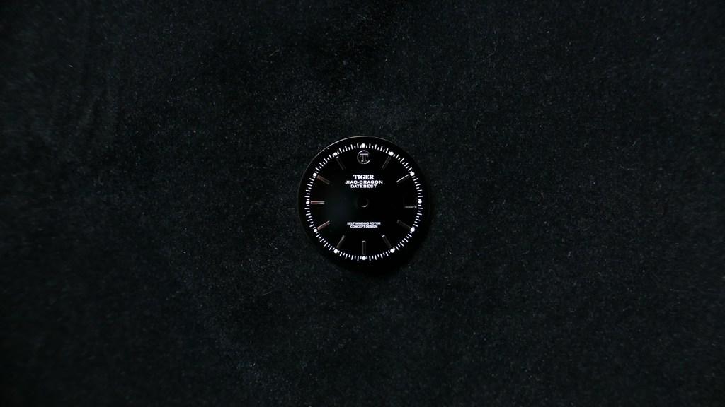 datebest-glossy-black