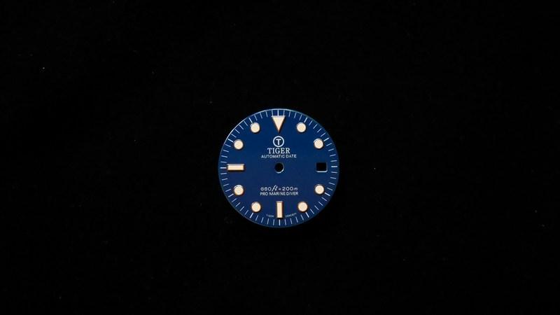 modern-glossy-blue-date